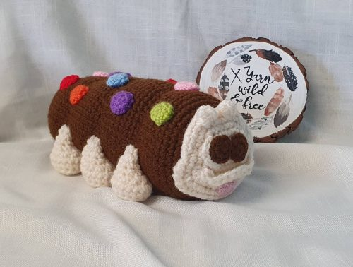 Amigurumi Caterpillar Crochet Cake Pattern Crafter Review by Sallyanne Redden for Cottontail & Whiskers